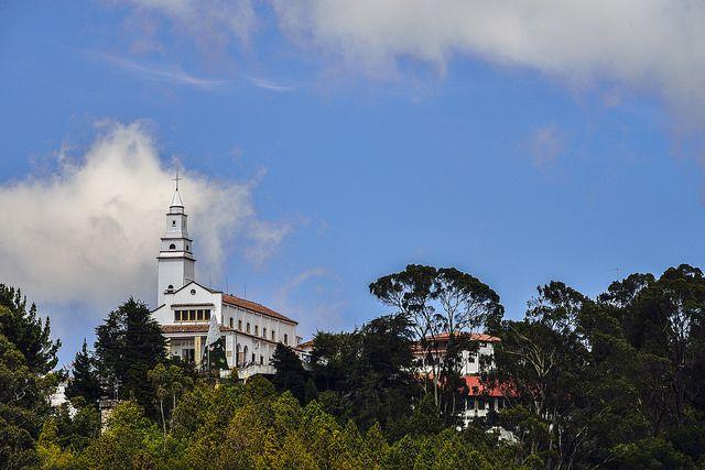 Los 5 mitos que rondan el misterioso cerro de Monserrate