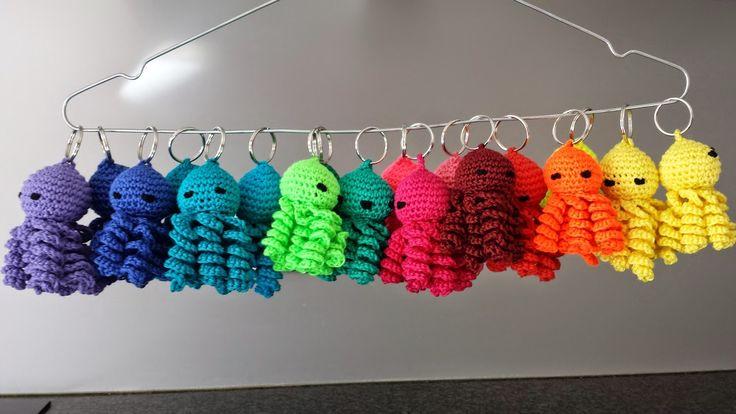 Crochets4U: Gratis patroon sleutelhanger gehaakt inktvisje ~ free pattern crocheted squid