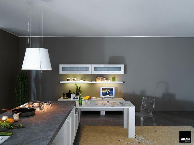 Questa una serata speciale per laura e piero hanno for Aran world kitchen cabinets