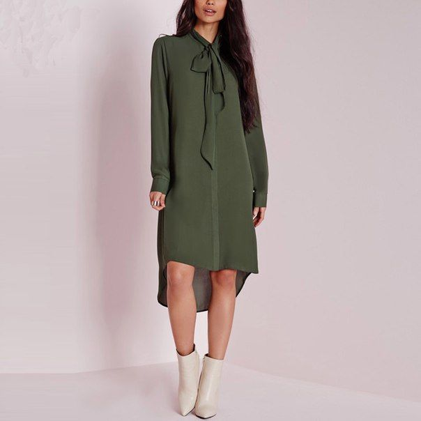 #dress #sommer #women #fashion #style #летнееплатье #стильно #модно #женщинам Элегантное и женственное платье-рубашка с удлиненной спинкой и бантом на шее в болотном цвете. Подробнее: http://ali.pub/xahy4 Крой платья простой и незамысловатый, но бант на шее делает платье крайне привлекательным и женственным. Задняя часть несколько удлинена. Платье выполнено из шифона в болотном цвете. На теле материал не просвечивается, но под такую нежную ткань стоит носить простое белье без кружева