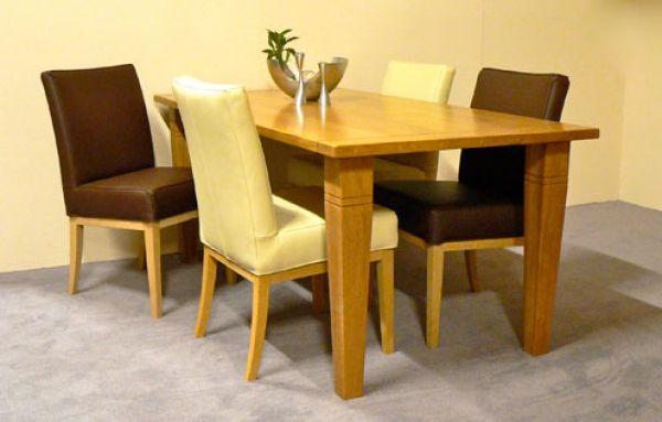 Tafel Arles met stoelen BC is direct leverbaar. Model tafel: Arles, klem kluskens.  Kleur: blank antiek. Afmeting: Breedte x Lengte: 90 cm x 190 cm. Model stoel Flint.  Kleur leder: semira 4x bruin - 4x roomwit.  Kleur hout: vrij naar keuze. Normaal: €2.455,00. Aanbiedingsprijs: €1.535,00.