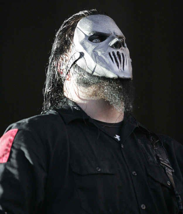 Slipknot guitarist Mick Thomson has been taken to hospital after getting into a knife fight with his brother, according to local news reports.