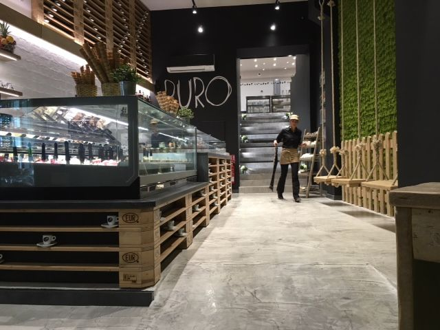 #WeLovePuro‬ is an #icecream #parlour franchising‬ born in 2014 near Salerno. Within two years, stores have become five, this is Welovepuro at Aix en Provence. A distinctive feature of Puro #style is the #furniture‬. Entirely made from pallets and other reclaimed materials. For this place‬, Orion provided #technology and #performance of its #KT24 #display #cabinet.‬ #showcase #arredamento #vetrina #vetrine #banco #refrigerato #gelateria #gelato #interiordesign #madeinitaly #design