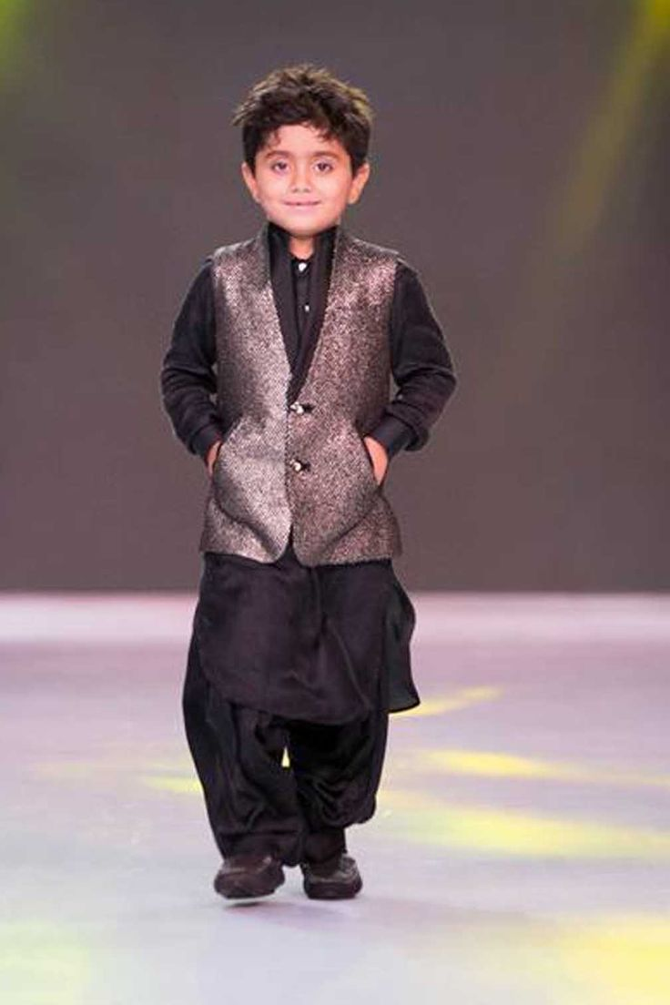 The dapper look. To see your little boy dressed as a debonair man in those Sherwani and jacket can make any parent gleam with joy. They are comfortable to carry and exude confidence. #stylemylo #kidsfashion #kidswear #designerwear #kidsoutfit #newcollection #indianwear #onlineshopping #babyboy #babygirl #rakshabandhan