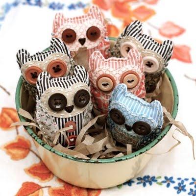 Owl brooch kits -- http://www.blossomandcat.com.au/#!market