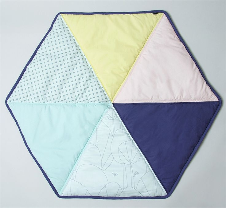 Sne Design, Play blanket, Hexagon, multi, also available in blue