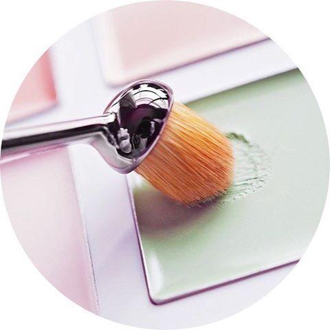 Les 25 meilleures id es de la cat gorie pinceau maquillage utilisation sur pinterest - Pinceaux maquillage utilisation ...