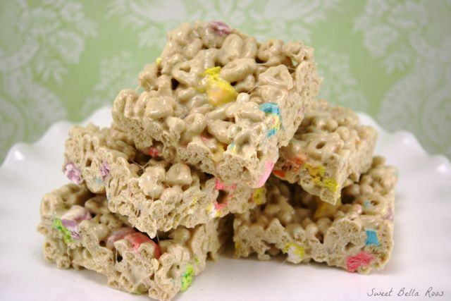 Brown butter Lucky Charms cereal bars with a rich flavor and extra marshmallows! This recipe is yummy and super easy!