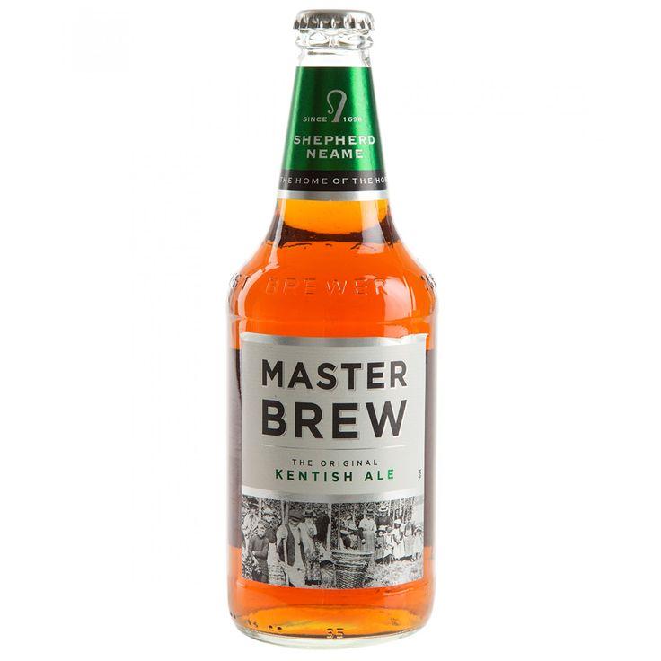 Cerveza Master Brew de alta fermentación color marrón cobrizo oscuro con sabor a malta toques herbales final seco y aroma a lúpulo cítricos levadura y pan.