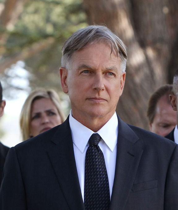 Mark Harmon/Gibbs - Honor Thy Father. Will miss Ralph Waite. Pleased to see CBS & NCIS mark his passing in a tribute episode.