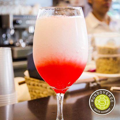 Refresca las tardes calurosas de #Medellín con nuestra deliciosa #LimonadaDeCereza. ¡Una delicia para este #Viernes! #MundoVerde #Recomendado