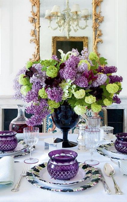 Bar arrangements. purple and green floral. Feeling formal • photo: Carolyne Roehm on Style at Home