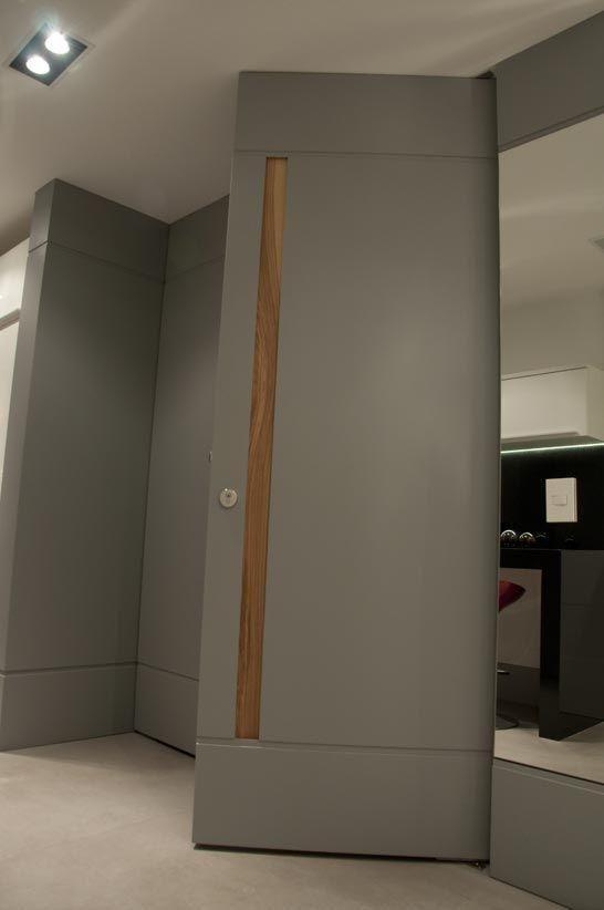 Veja nosso post com 90 modelos de portas diferentes feitas com madeira, vidro e outros materiais. Confira!