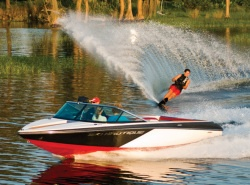 New 2010 Correct Craft Nautique Ski Nautique 200 Closed Bow Ski and Wakeboard Boat