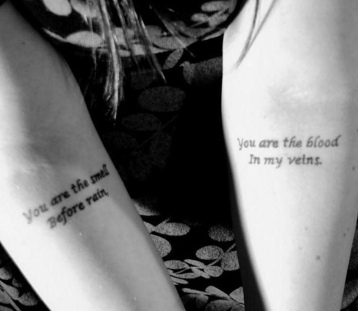 Tattoo am Unterarm mit Spruch für Frau