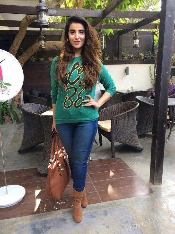 Hareem Farooq- Miss Veet Pakistan 2017 Lunch