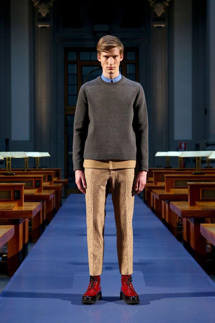 No-21: fall 2014 menswear fashion show. Original to Vogue.com slideshow: https://www.vogue.com/fashion-shows/fall-2014-menswear/no-21/slideshow/collection#14