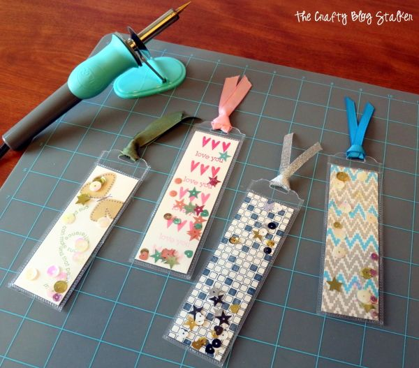 Using the Fuse Tool from @WeRMemoryKeepers create awesome bookmarks for you and your kids. Create all sorts of awesome crafts with The Fuse Heat Tool. #WRMKFuse #ad @TheCraftyBlogStalker