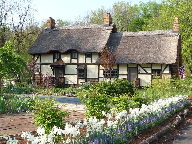 The beautiful gardens at Anne Hathaway's Cottage,the childhood house of William Shakespeare's wife in the village of Shottery,Warwickshire, England. Description from pinterest.com. I searched for this on bing.com/images