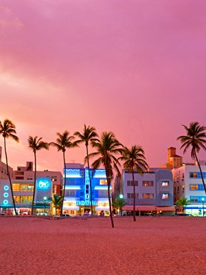 South Beach, Miami, Florida. Summer HOTSPOT for celebs! I want to go there ssssoooo badly!