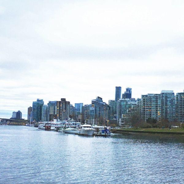 (Sacha) Depuis déjà quelques mois nous sommes à la recherche de notre petit nid d'amour dans la région de Vancouver. À force d'étudier le marché et d'y aller à tâtons, j'ai compris quelques trucs… quelques trucs que j'aurais aimé savoir dès le départ! Voici donc mes 6 conseils pour survivre à l'achat d'une première maison.  http://www.sparksandbloom.com/fr/six-conseils-pour-survivre-a-lachat-dune-premiere-maison/