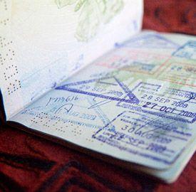 """Visado para viajar a Tailandia, ¿es necesario? (Actualizado noviembre 2015) - Si eres ciudadano español vas a tener suerte a la hora de entrar en Tailandia, puesto que a diferencia de otros países, no vas a tener que pagar ni un euro. El visado de Tailandia, si eres turista y vas a estar menos de 30 días (si entras por aire), se reduce a un sello de entrada a modo de """"Visa on arrival"""" puesto que la entrada es libre y todo lo que vas a tener que hacer te lo explicamos aquí."""