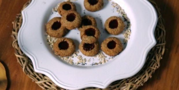 Cookie integral com geleia de morango: receita de Bela Gil - Receitas - Receitas GNT