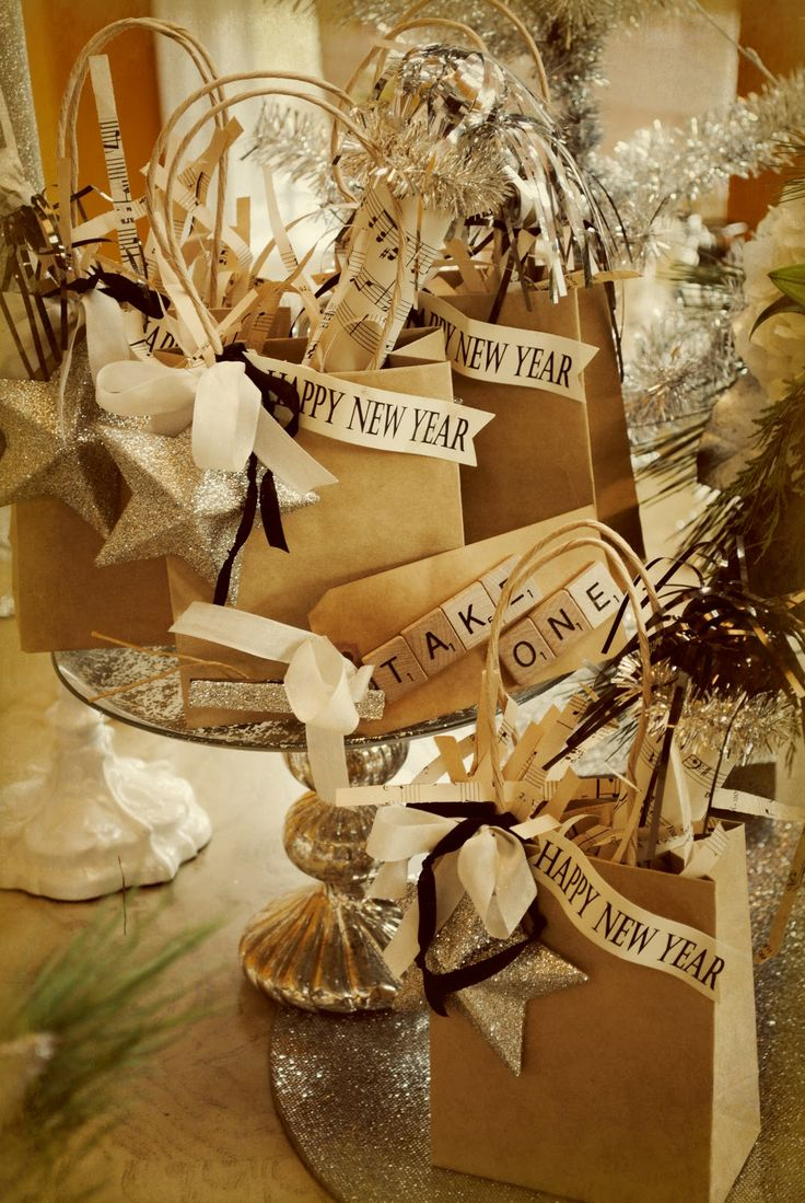 Ring in the New Year with neutrals and metallics for your tablescape decor!