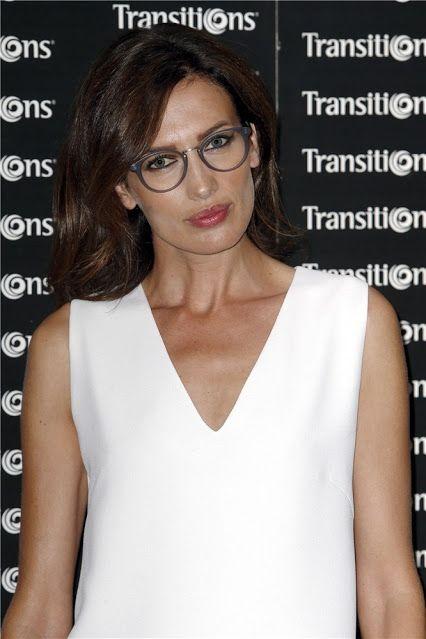 Martínez Ópticos: ¿Llevas gafas y usas #maquillaje? Algunos consejos.  http://ow.ly/JVTdK