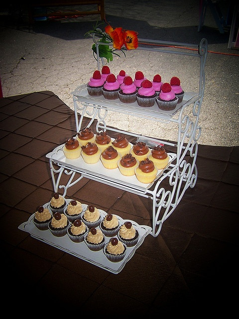 Cupcakes for a Open House event.     /cupcake recipesChocolate Cupcakes, Open House, Cupcake Shops, Chocolates Cupcakes, Cupcakes Chocolates, Cake Designs, Cupcakesp Chocolates, Minis Cupcakes, House Events