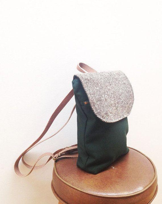 Braun und grün Mini gewachste Canvas Rucksack. Kleiner Rucksack Geldbörse. Kleine Canvas Rucksack. Eco-Friendly Geldbörse. Gewachstem Canvas Pack. Eco-Tasche.