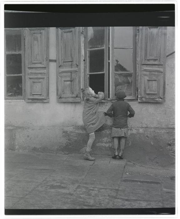 Roman Vishniac – Untitled, Eastern Europe, ca 1935-38