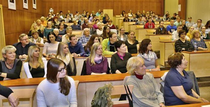 Lékařská fakulta otevírá veřejnosti přednášky z předmětu Lékařská psychologie a etika >>> http://plzen.cz/lekarska-fakulta-otevira-verejnosti-prednasky-z-predmetu-lekarska-psychologie-a-etika/
