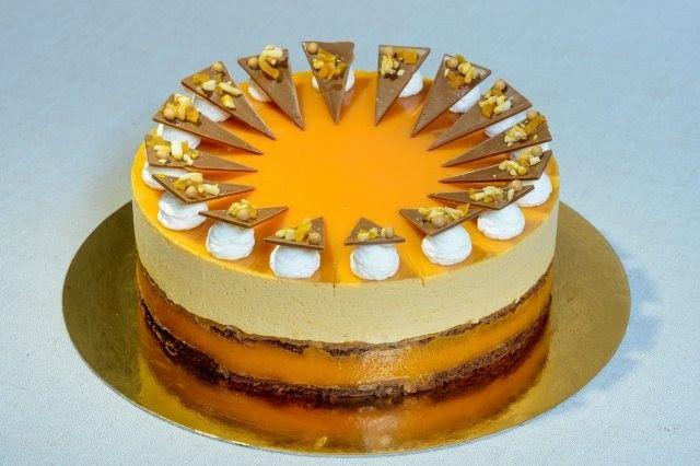 Országtorta 2015 – A pannonhalmi sárgabarack pálinkás karamell torta receptje (fázisfotókkal) - MindenegybenBlog