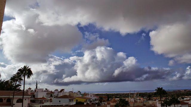 Desde las Islas Canarias  ..Fotografias  : Nubes en Maspalomas ...Gran Canaria