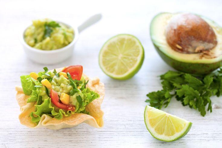 Cialde di tortillas con insalata e guacamole