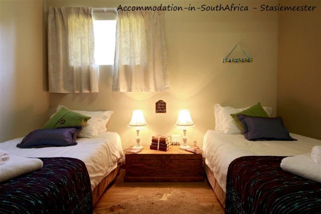 Twin room at Stasiemeester Self Catering. http://www.accommodation-in-southafrica.co.za/Mpumalanga/Chrissiesmeer/StasiemeesterSelfCatering.aspx