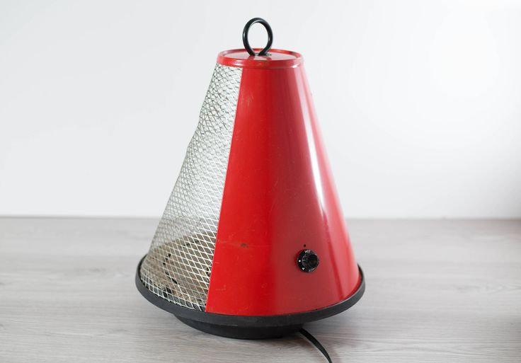 Vintage Space Heater / Mid Century Modern Space Age Circular Red Stove Oven Heater by secondvoyagevintage on Etsy https://www.etsy.com/ca/listing/534683578/vintage-space-heater-mid-century-modern