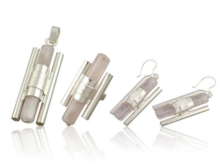 Silver jewellery set with pinke quartz