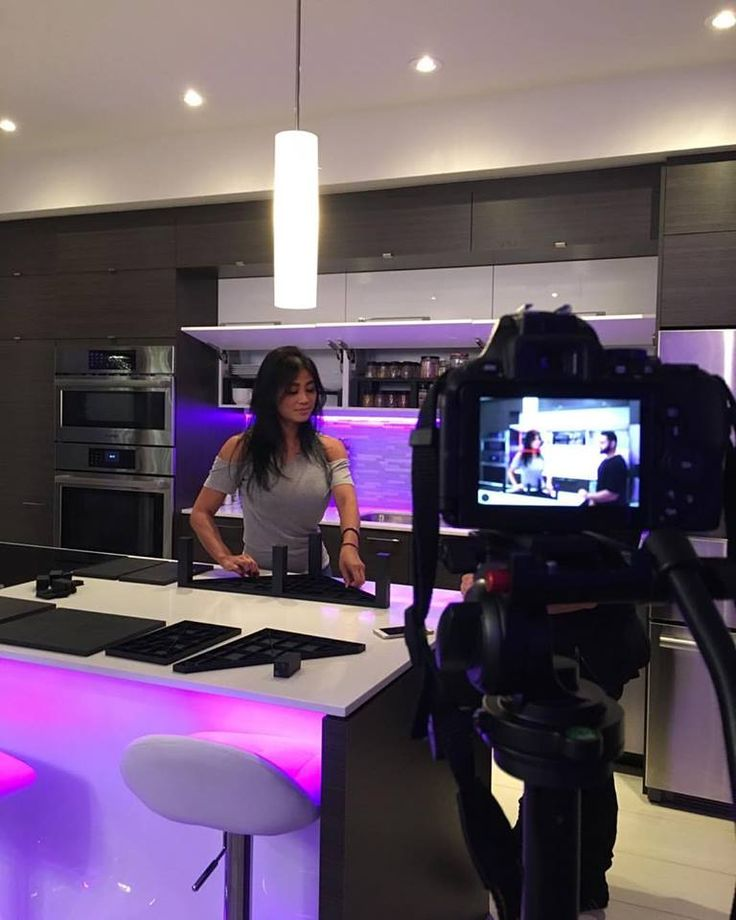 Having fun behind of the scenes of Sky Shelves!  Thank you everyone who is following our page on LinkedIn as well as other social media platforms. Don't forget to sign up at www.skyshelves.com to win and to be part of the team :)