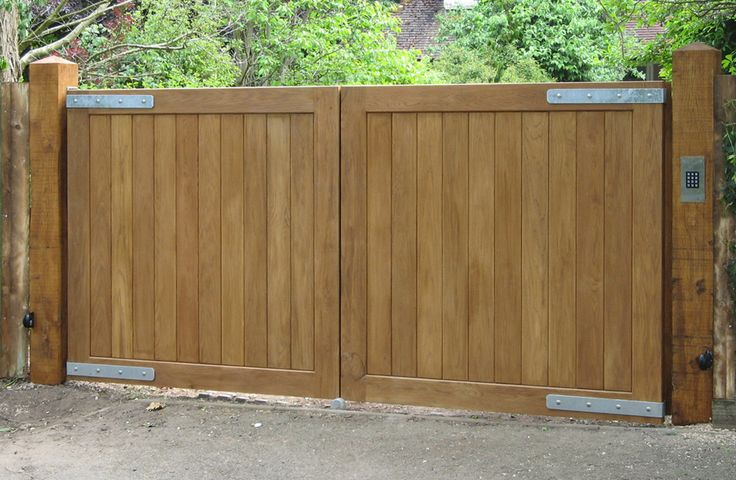 Automatic Solid Wood Gates