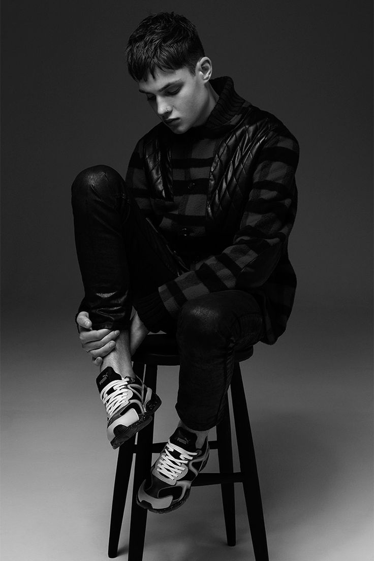PUMA and McQ by Alexander McQueen teamed up once again to create a capsule…