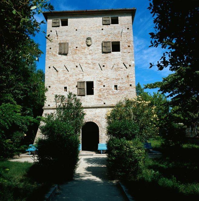 foto di T. Mosconi. Bellaria Igea Marina. La Torre Saracena. Saracen Tower.