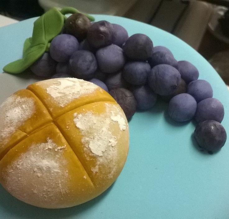 1a comunión, pan y uvas  Pasta de goma.
