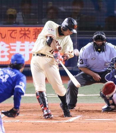 2012.08.26 巨人・阿部、打球に超常現象!空中バウンドにネット騒然
