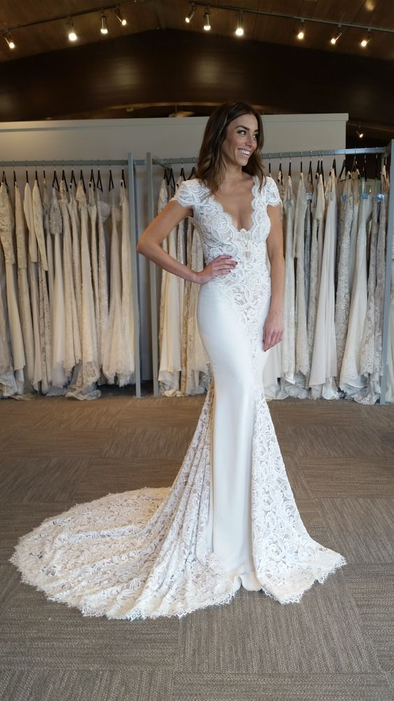 How gorgeous is this @bertabridal gown? The mix of texture is just stunning!