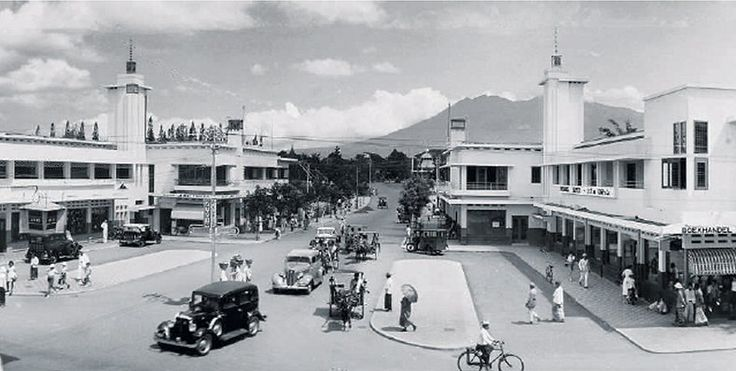 Malang, we lived here in 1950!