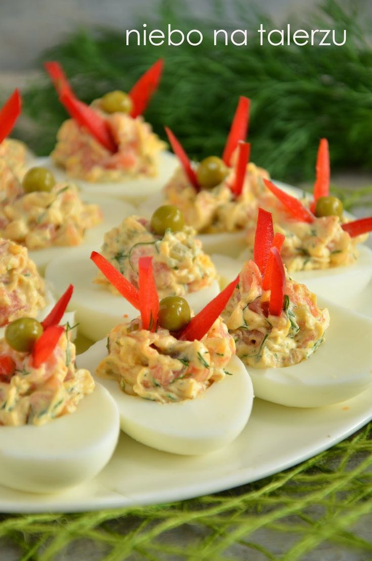 niebo na talerzu: Jajka faszerowane łososiem