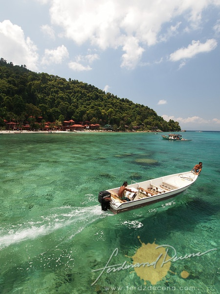 Even if Boracay Island was dubbed as the best island beach by a Travel Mag, Perhentian Islands still won me over