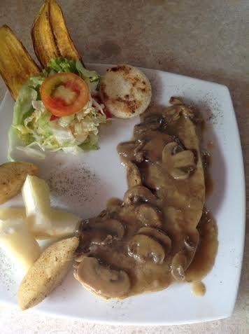 Carne con champiñones http://www.restauranteelplatanal.com/ubicacion